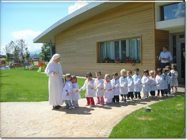 Scuola Onna realizzata in legno