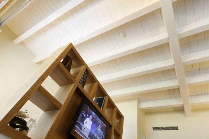 Gli interni in legno dell'Hotel Cristallo